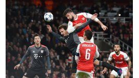 Bayern Munich volvió a aplastar al Arsenal y se metió en cuartos de final