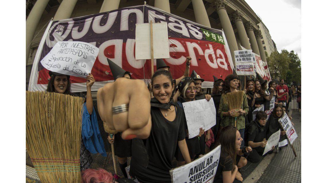 Por el Día de las Mujeres, hubo un ruidazo en calles, oficinas, subtes y trenes