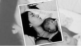 Barón con Momo recién nacido en su pecho