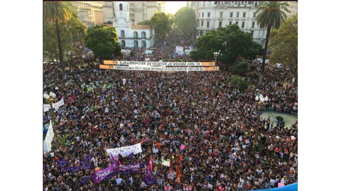 La marcha de mujeres en Plaza de Mayo