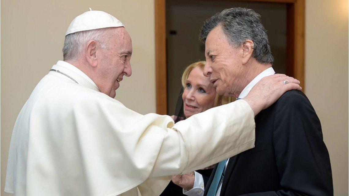 El Papa con Palito Ortega y su mujer en el Vaticano