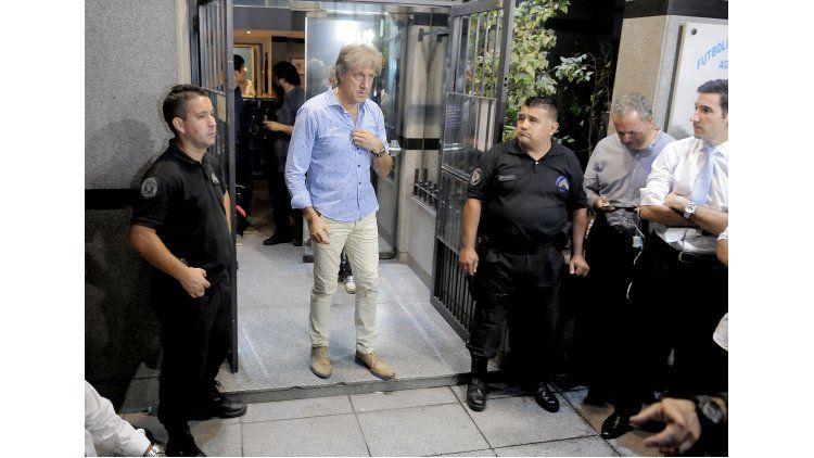 Sergio Marchi saliendo de Agremiados