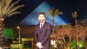 Lionel Messi durante su viaje en Egipto