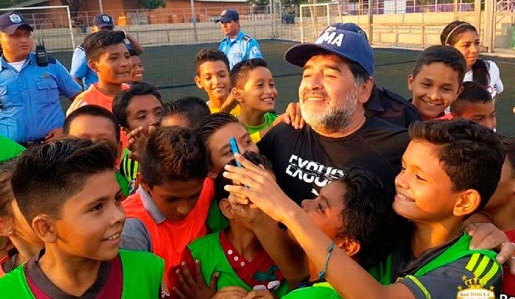 El Diez estuvo junto a niños de Nicaragua en abril de 2016