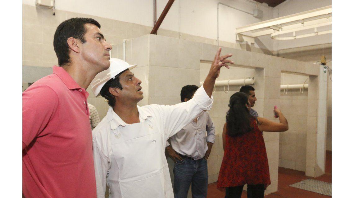 El Gobernador inauguró unmatadero y frigorífico en Chicoana a 50 km. de la capital salteña
