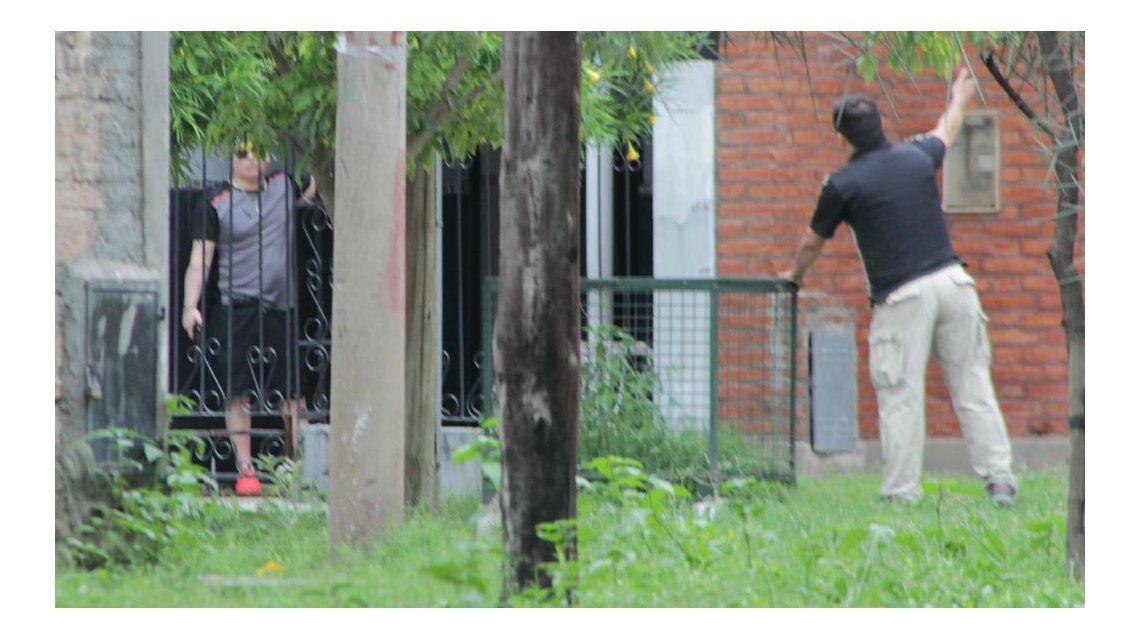 El hombre amenazó con volar la cuadra