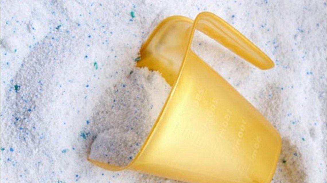 Robó dos bolsas de jabón en polvo