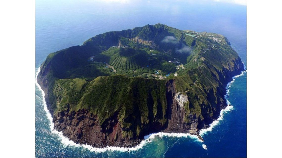 Isla volcánica Aogashima