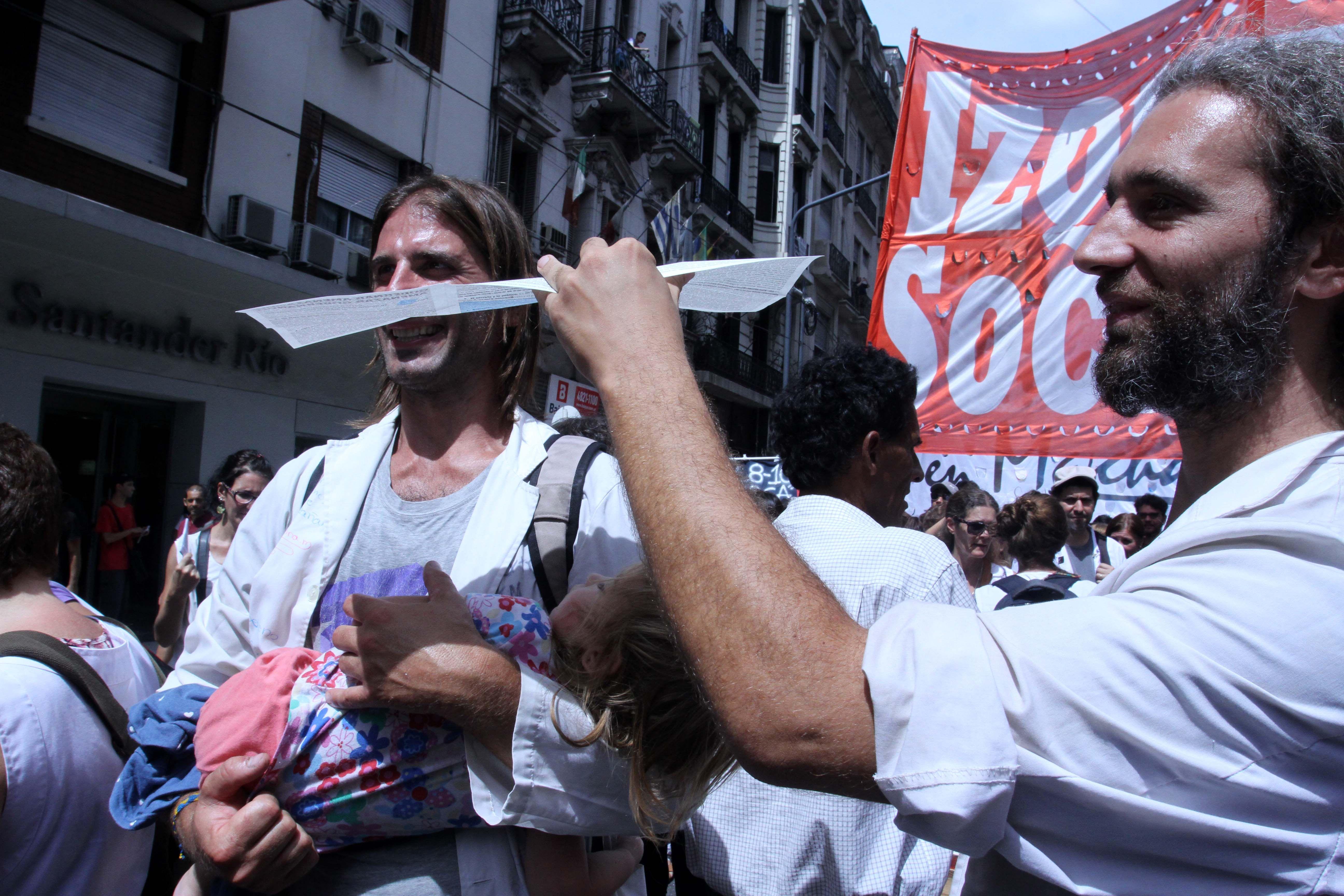 Las 20 cuadras de la multitudinaria marcha docente en 20 fotos