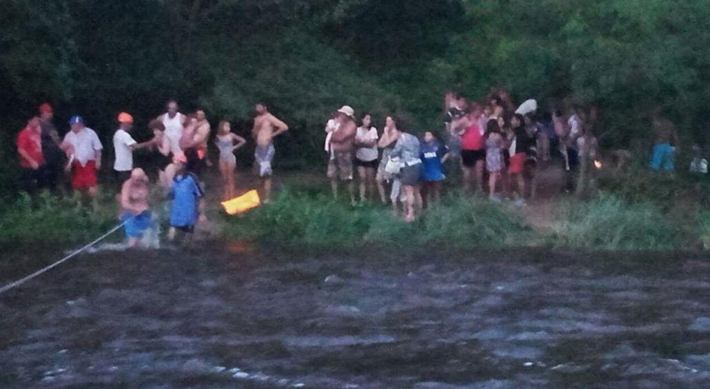 Turistas esperando a ser rescatados