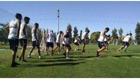 El plantel de Belgrano, rumbo a Buenos Aires
