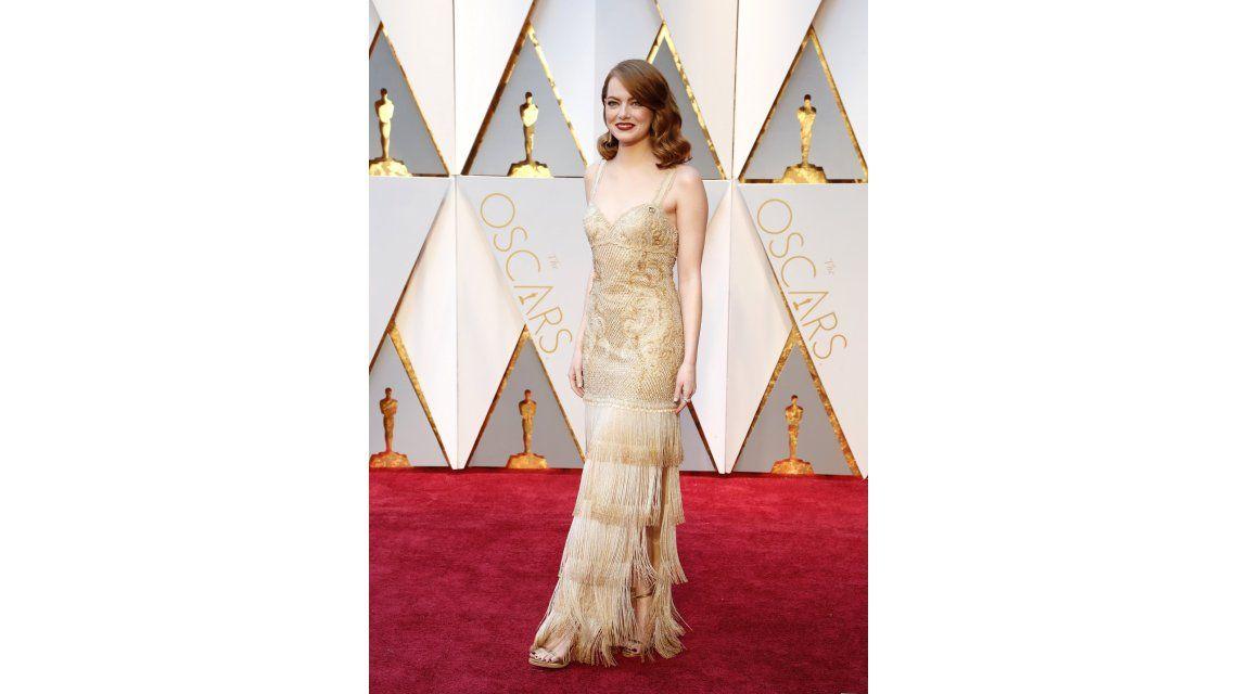 Emma Stone en la alfombra roja de los Oscar