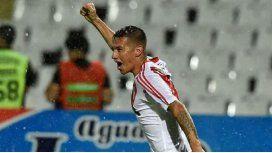 Carlos Auzqui celebra el gol del empate