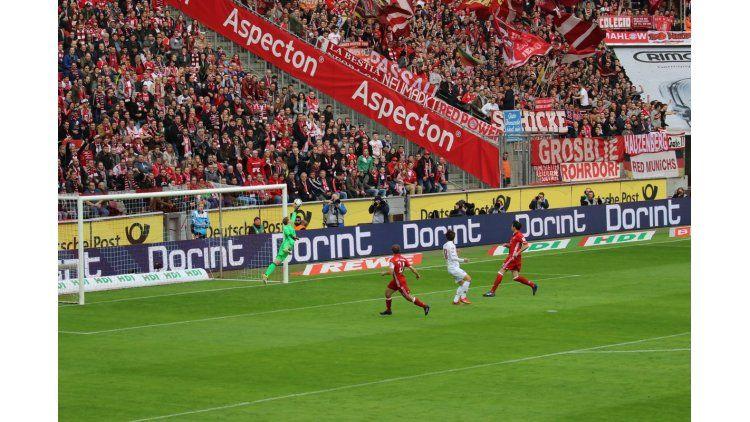 La estirada del arquero del Bayern Munich