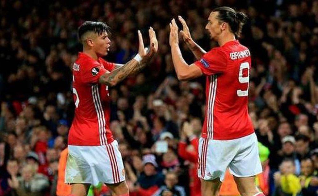 La celebración entre Rojos e Ibrahimovic tras el gol del argentino