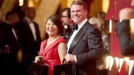 Martha L. Ruiz y Brian Cullinan, los responsables del error, en la alfombra roja