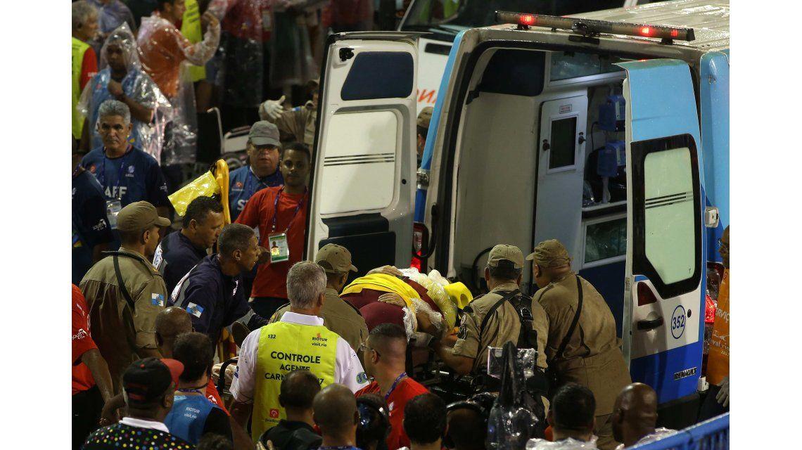 Al menos 20 heridos tras el despiste de una carroza en el carnaval de Rio