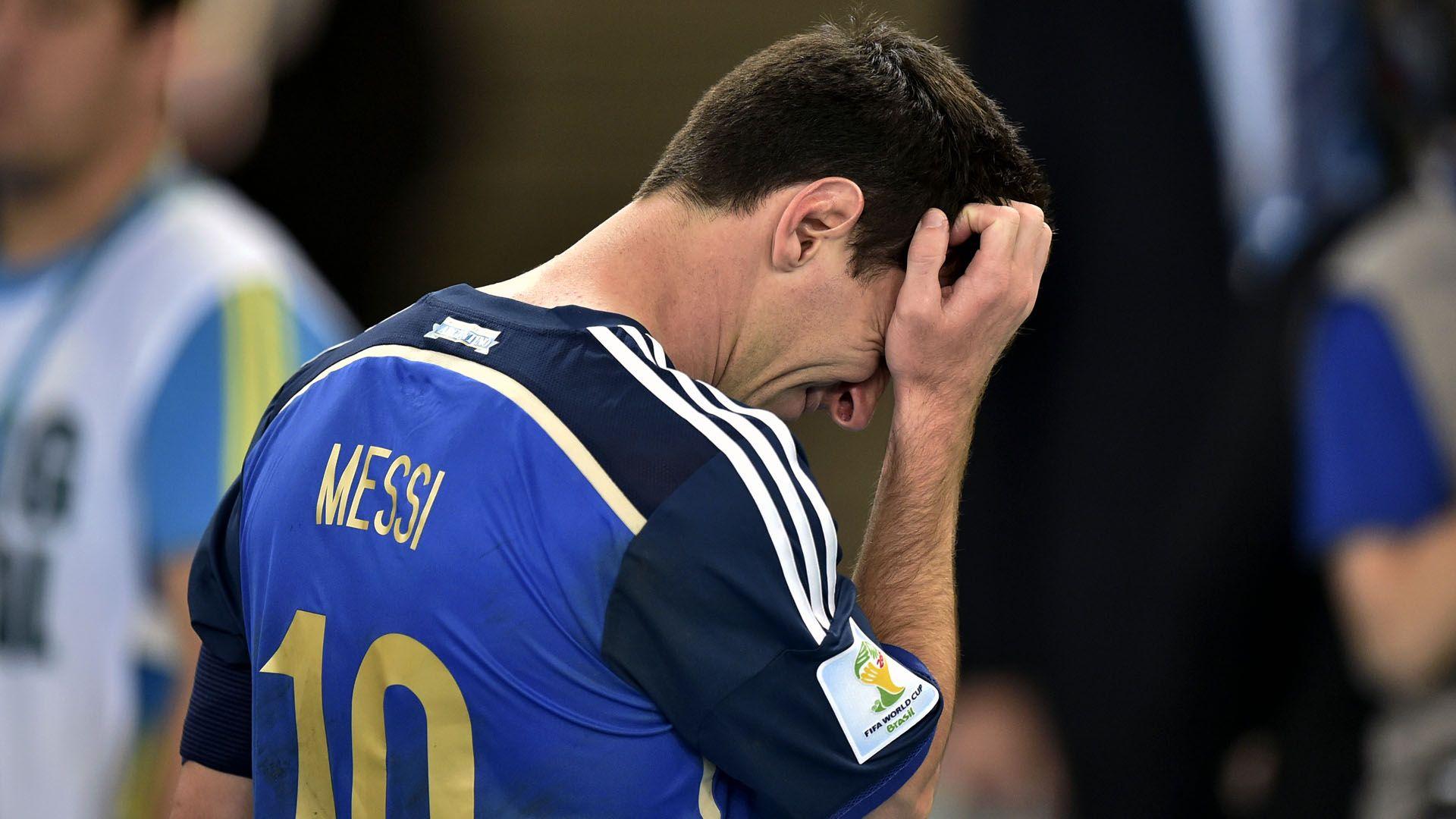 Lionel Messi llorando tras perder la final del Mundial de Brasil 2014