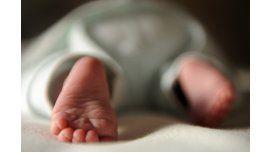 Beba recién nacida. Imagen de archivo
