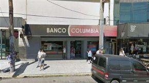 Cortaron la luz de un banco y robaron 500 mil pesos