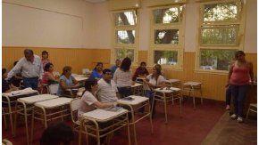 La reunión de directivos y docentes de la Escuela Normal con autoridades del Ministerio de Educación. Crédito: El Tribuno