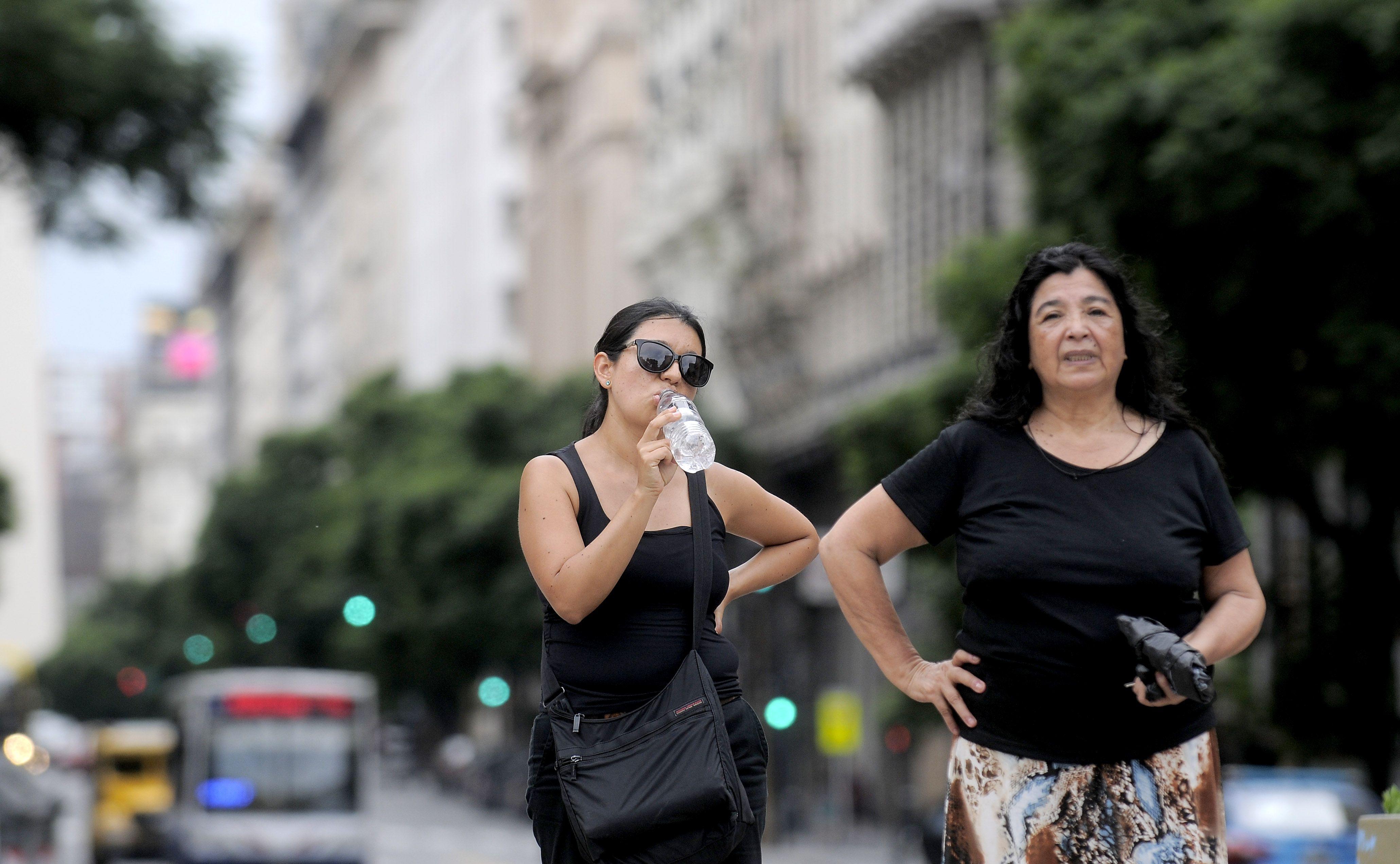 Calor y mosquitos: se viene una semana de miniveranito en Capital y Provincia