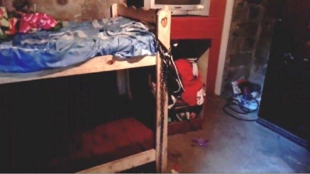 Tenía a su hija encadena a la cama en Rosario