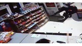 Un ladrón se llevó una sorpresa al entrar a robar a una tienda
