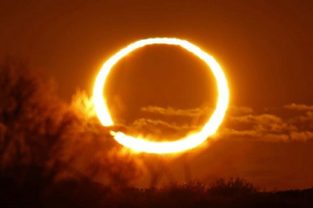 Eclipse anular<br>