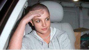A mediados de febrero de 2007, Britney se rapó