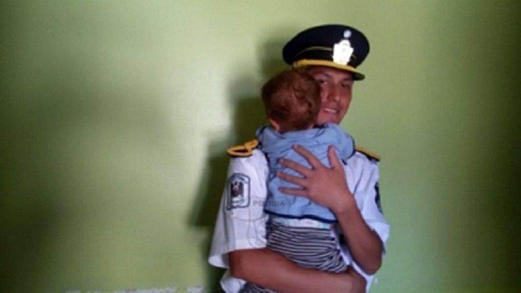 Un policía salvó a un bebé en Neuquén