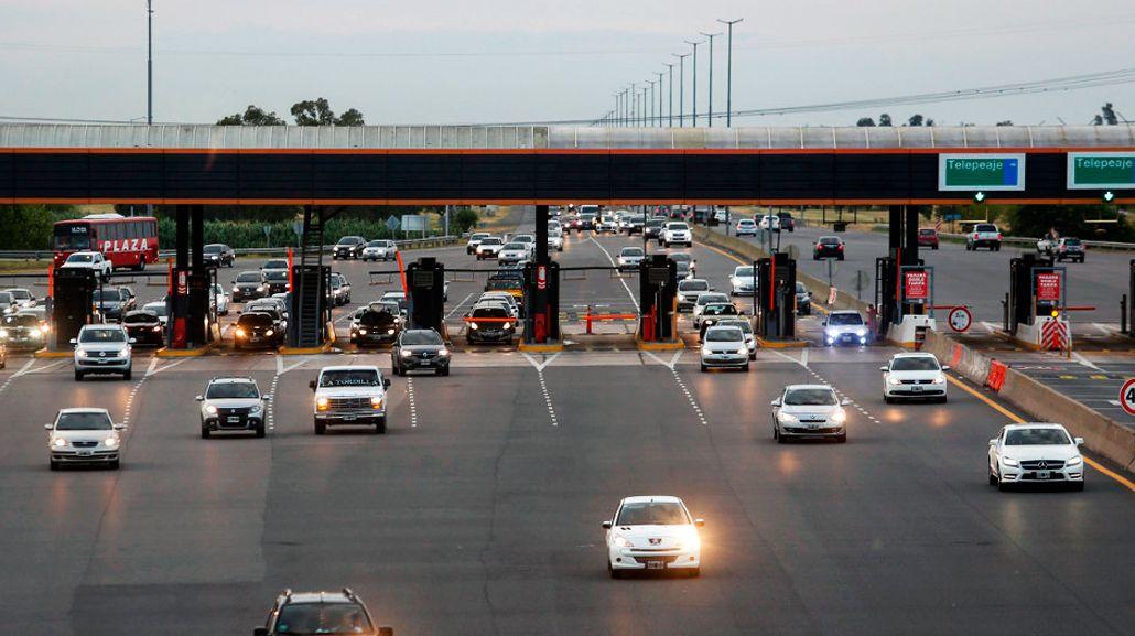 Cada vez más gente deja el auto en casa y viaja en transporte público