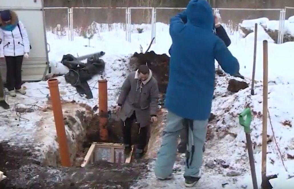 Un bloguero pasó 24 horas enterrado dentro de un ataud