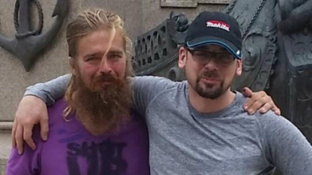 Anton (izquierda) se reencontró con su hermano