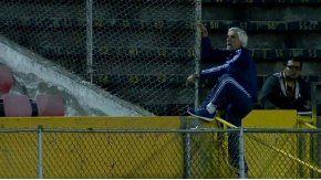 La furia del profe Salorio en el partido entre Argentina y Brasil