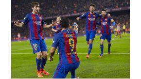 Luis Suárez abrió el marcador en el Camp Nou