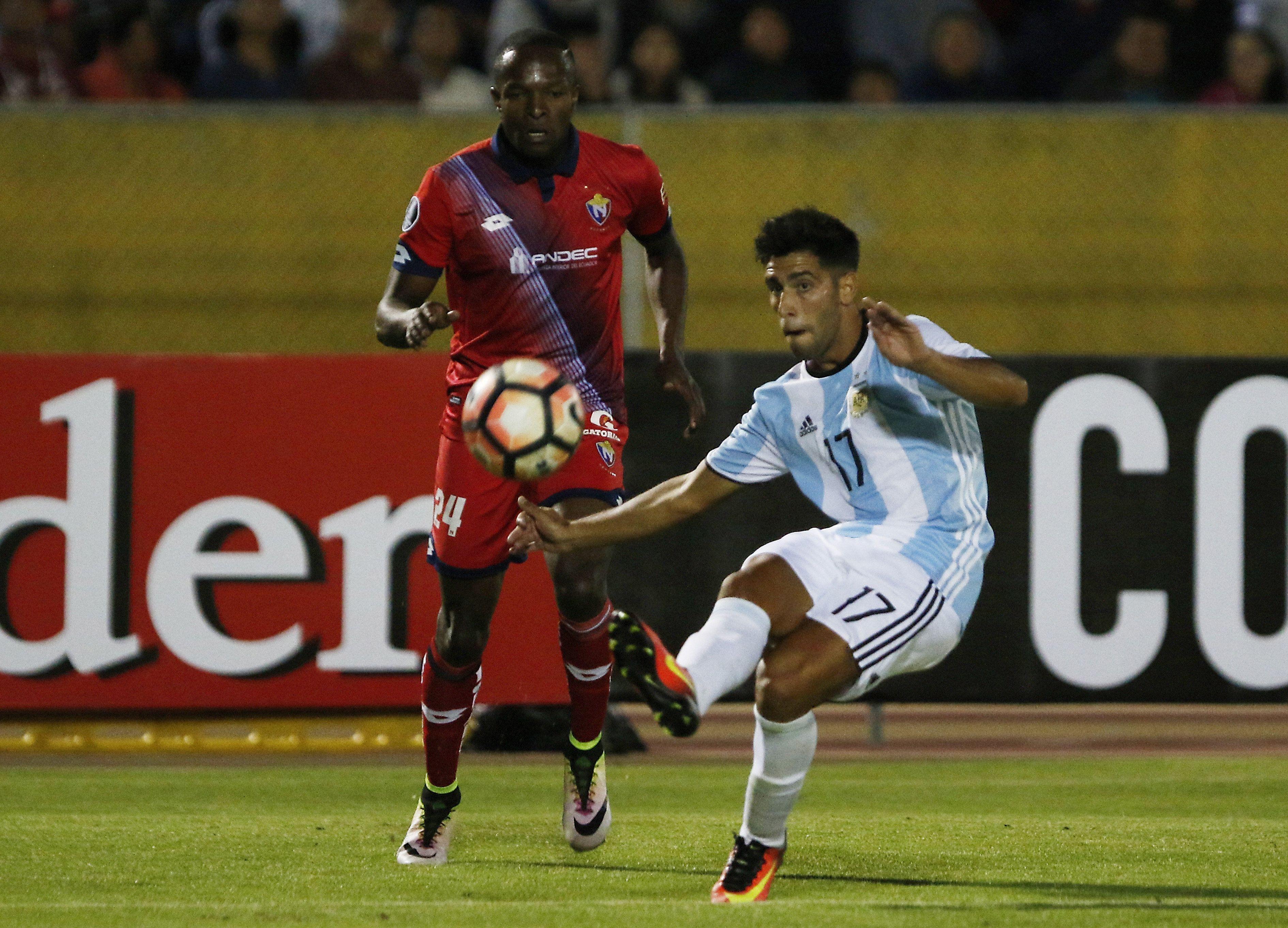 Atlético Tucumán venció a El Nacional en un partido épico