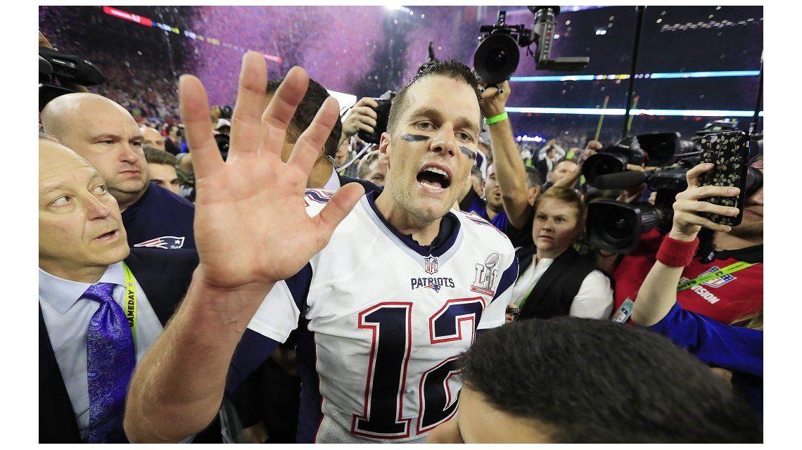 A Brady le robaron la camiseta de los Patriots tras el Súper Bowl