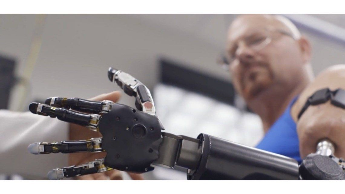 Una prótesis capaz de detectar señales de la médula