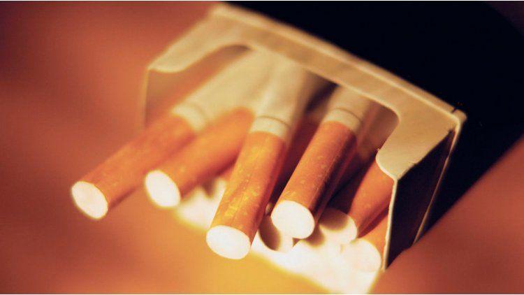 Le agarró cáncer de garganta y mató al amigo que lo introdujo al cigarrillo