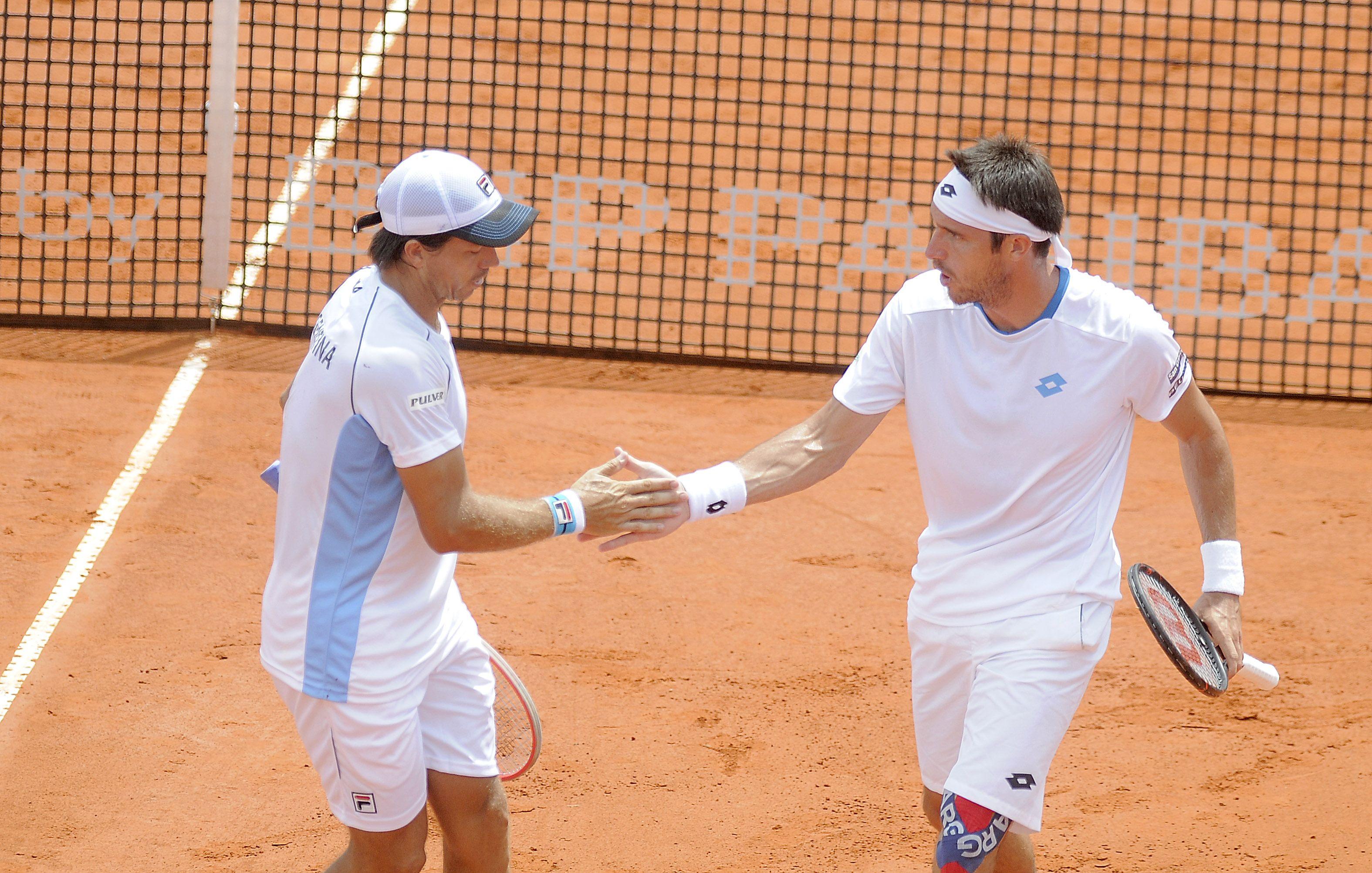 Argentina ganó un punto clave y sigue con vida en la Copa Davis