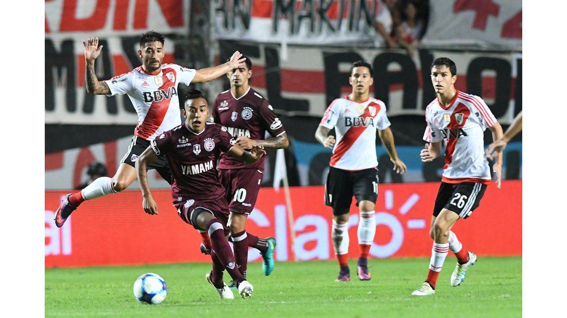 River y Lanús juegan la final de la Supercopa Argentina