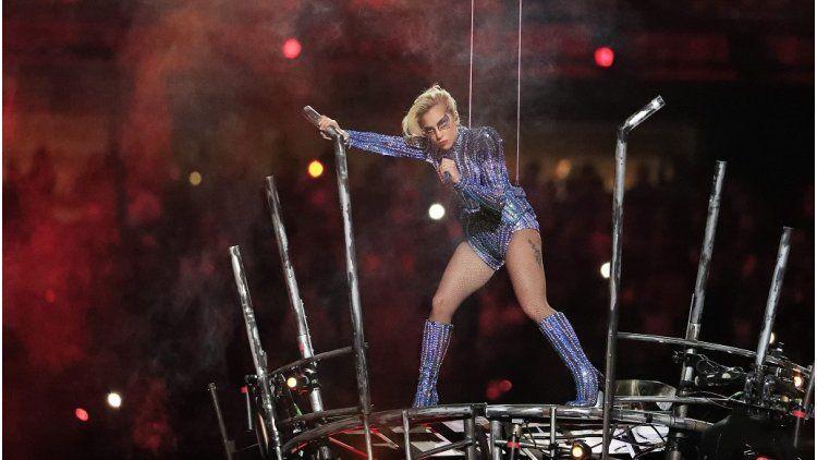 Lady Gaga en el espectáculo de medio tiempo del Súper Bowl