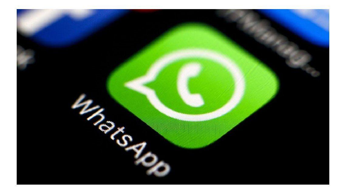 ¿Cómo hacer espacio en tu celular borrando información de WhatsApp?