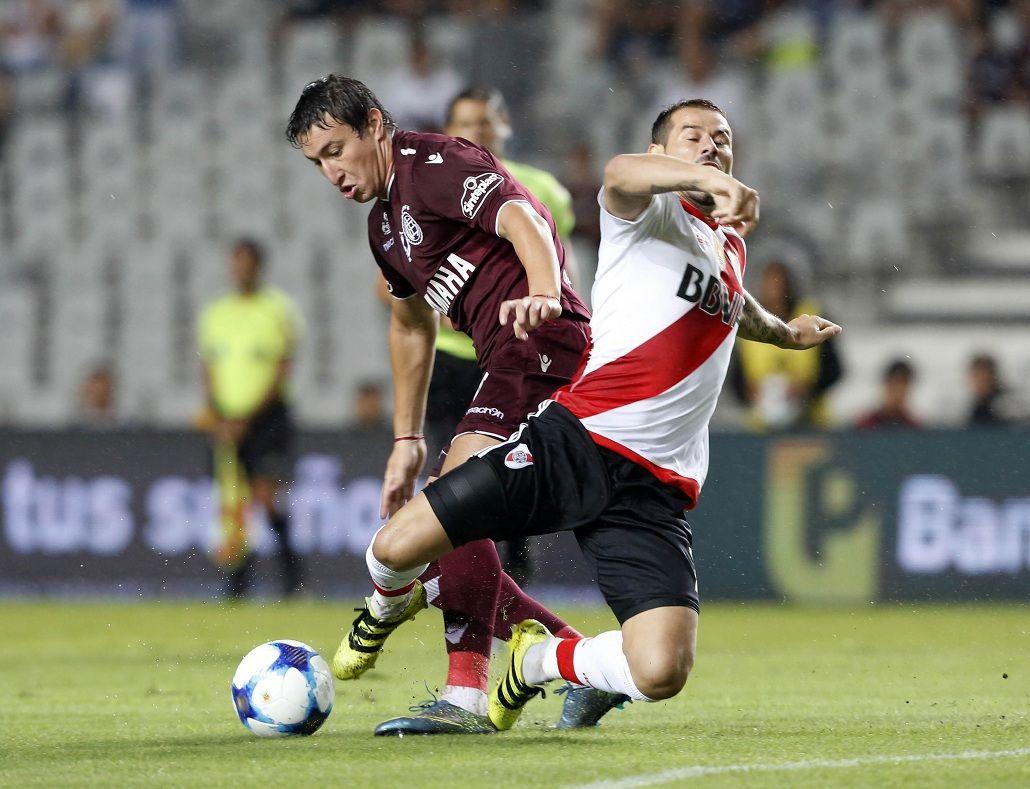 Lanús derrotó a River y se quedó con la Supercopa