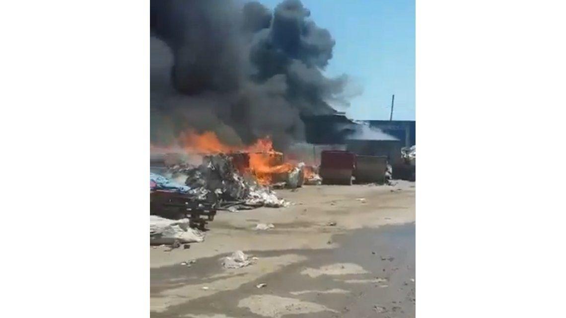 Un galpón de la Ceamse se incendió