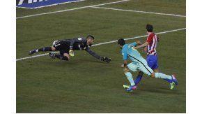 Luis Suárez abrió el marcador en el Vicente Calderón