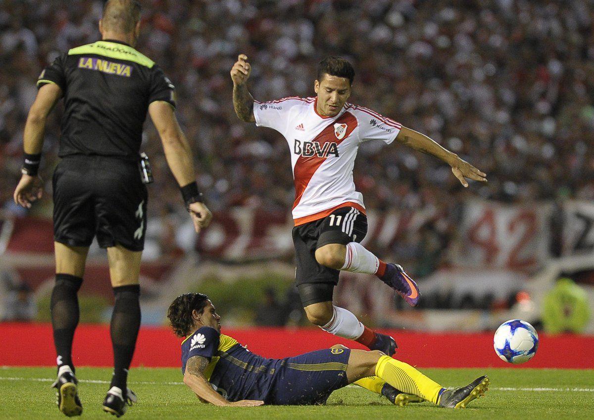 Las ofertas para la TV del fútbol argentino: Boca y River, sin descenso