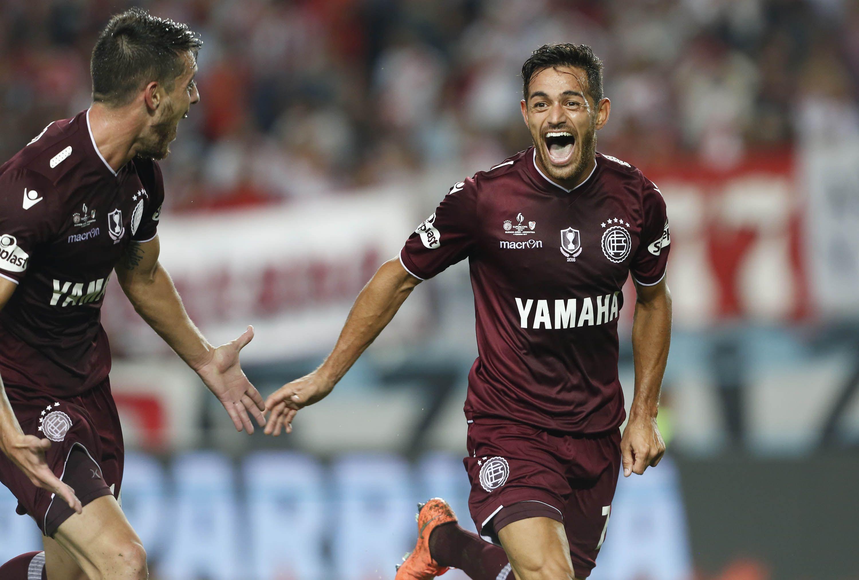 Lanús goleó y se quedó con la Supercopa ante River