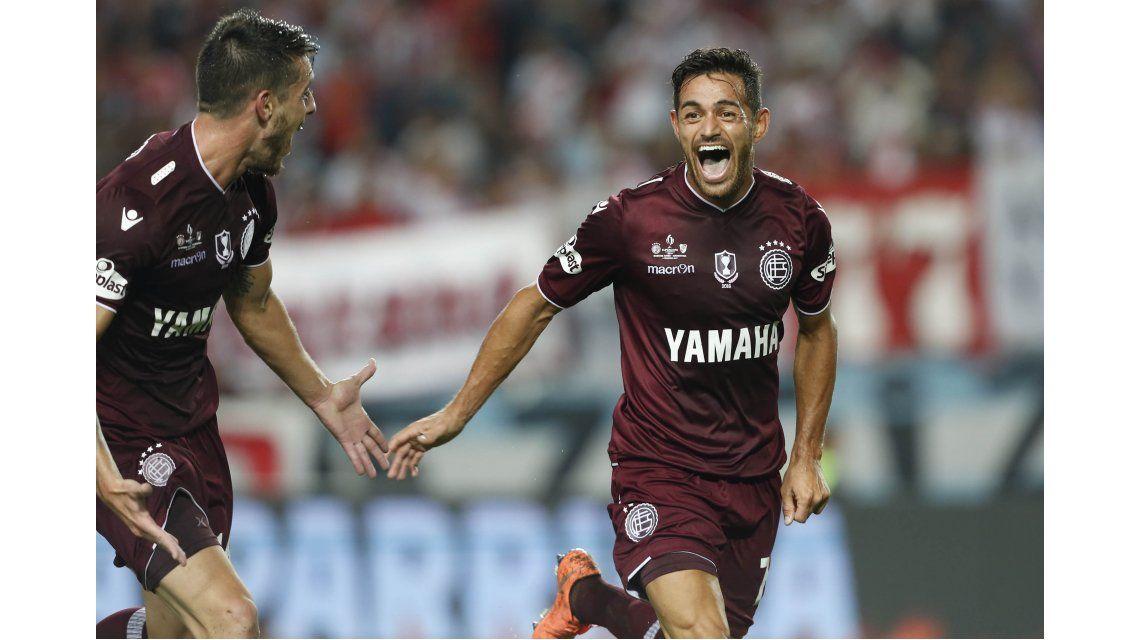 Con estos goles, Lanús le ganó a River por la Supercopa